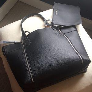 Steve Madden Bags - NWT Steve Madden large tote, extra zip bag